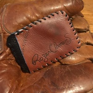 Wilson Roger Clemens Red Sox Baseball Glove Wallet